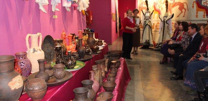 В Горно-Алтайске открылась выставка декоративно-прикладного искусства