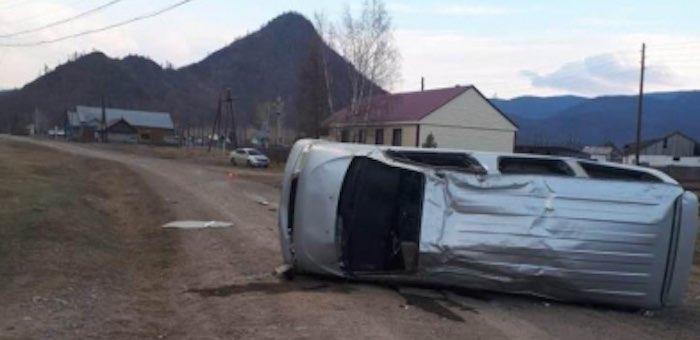 В Куладе опрокинулся автомобиль, пассажир погиб