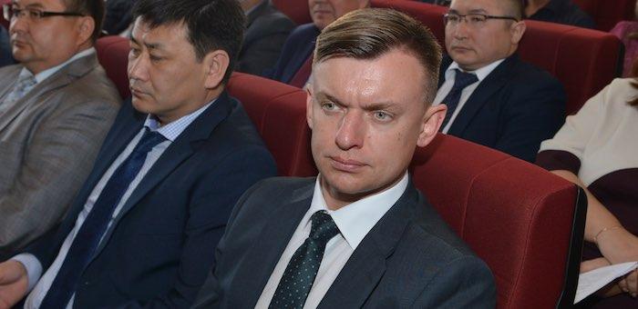 Депутаты повысили главе Турочакского района зарплату на 25%