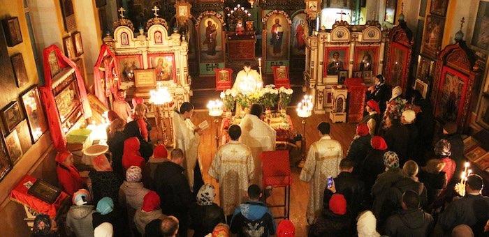 Православные празднуют Воскресение Христово
