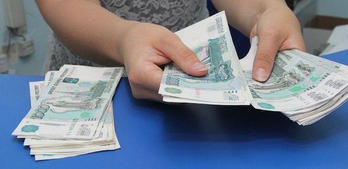 Похитившая 6 млн рублей бухгалтер получила отсрочку наказания из-за малолетнего ребенка