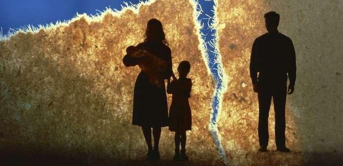 Бывшие супруги поссорились из-за детей: в отношении матери возбуждено уголовное дело