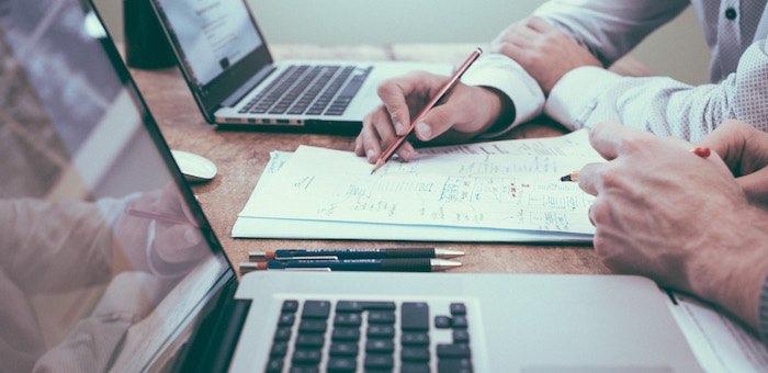 Почему стоит взять кредит онлайн? Преимущества долгосрочного сотрудничества с МФО