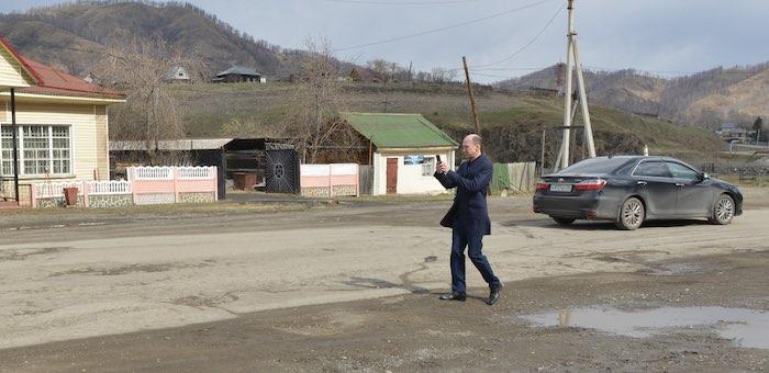 Олег Хорохордин поручил разобраться с состоянием региональных дорог
