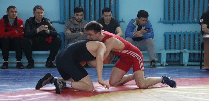 Спортсмены с Алтая стали победителями всероссийского турнира по греко-римской борьбе