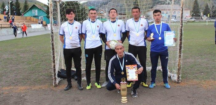 Турнир по мини-футболу памяти Николая Яимова прошел в Усть-Кане
