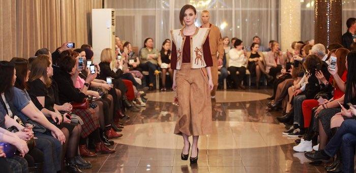 Коллекцию алтайского модельера представили в Иркутске