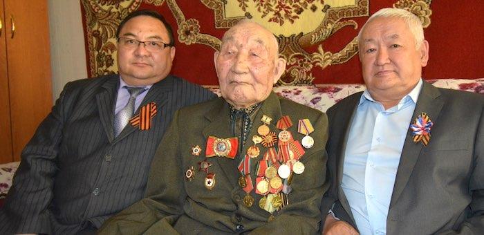 В Онгудайском районе поздравили ветеранов войны