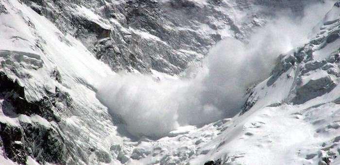 При сходе лавины на юге Горного Алтая погибли семь туристов