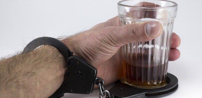 Любителя пьяного вождения отправили в колонию на два года