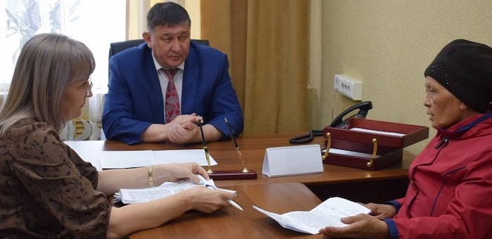 Мэр Горно-Алтайска провел прием граждан по личным вопросам
