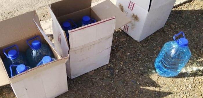 Полицейские изъяли у женщины 60 литров спиртосодержащей продукции