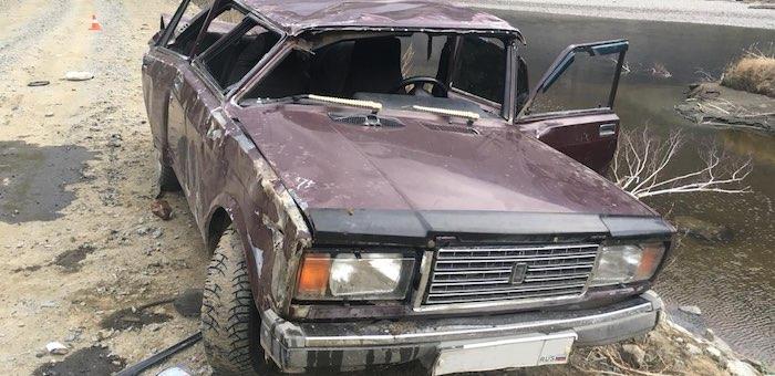 В долине Чулышмана опрокинулся ВАЗ с пассажирами