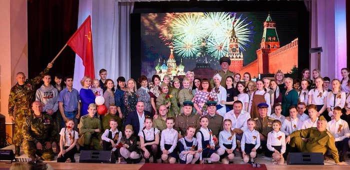В Майме и Бийске показали концерт-спектакль «Победа. Одна на всех!»