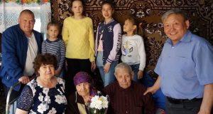 Не конфликтовать, правильно питаться и вести здоровый образ жизни: секрет долголетия бабушки из Амура