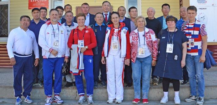 Олимпийские чемпионы пообщались с жителями Онгудая