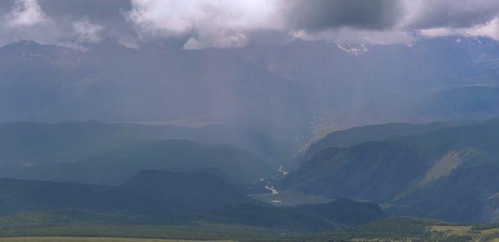 Штормовое предупреждение на 23 июня: сильные дожди, грозы, местами град