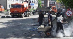 Ремонт проездов между центральными улицами Горно-Алтайска завершится в августе