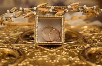 Женщина заявила в полицию на сына-алкоголика: он украл у нее все золото