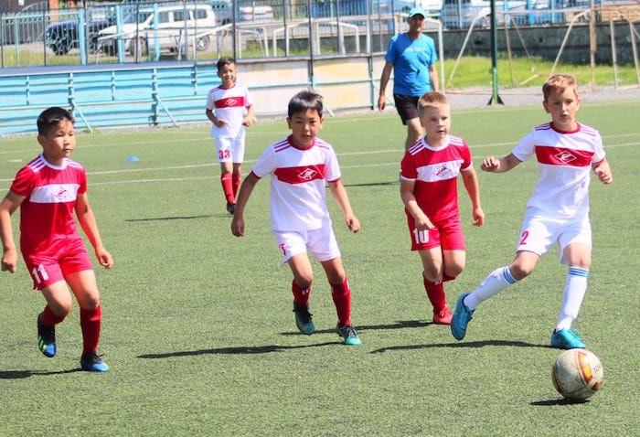 Объявлен сбор средств для поддержки детской футбольной команды «Спартак» из Горно-Алтайска