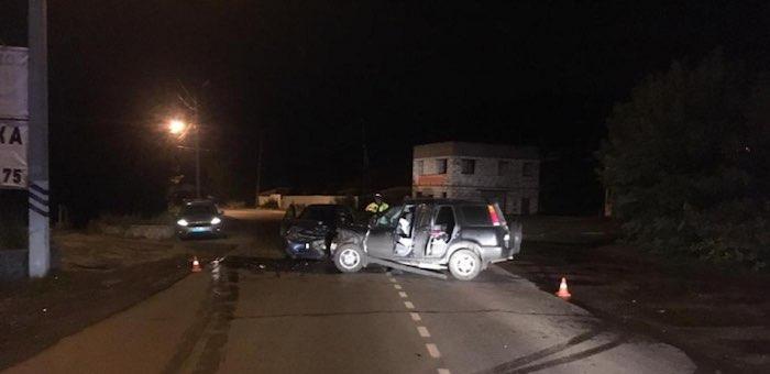 Пьяный водитель ночью в Горно-Алтайске врезался во встречную машину