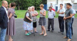 В Горно-Алтайске проинспектировали благоустройство дворов