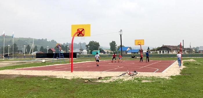 В Чое открыли новую спортивную площадку