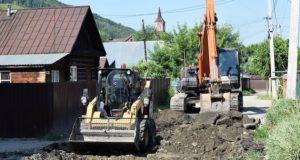 В Горно-Алтайске ремонтируют дороги по улицам Чаптынова, Советская, Маяковского