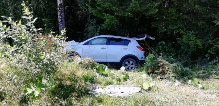 Турист из Томска опрокинул машину в кювет на дороге