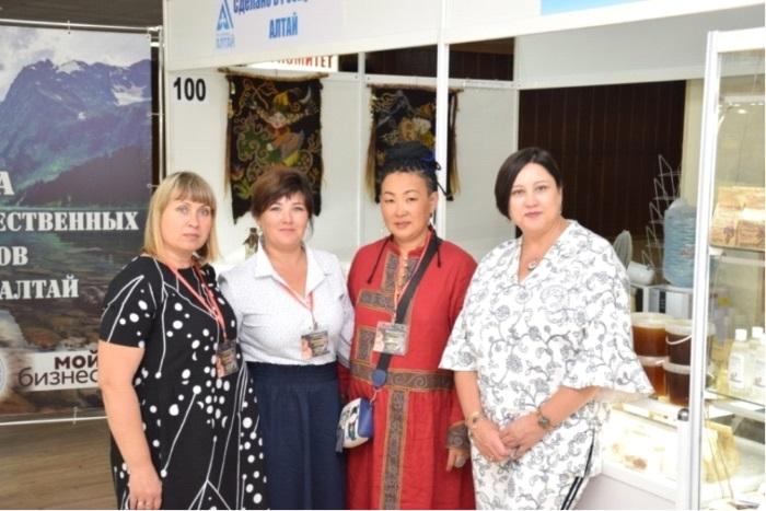 Мастера с Алтая продолжают покорять Сочинский фестиваль.