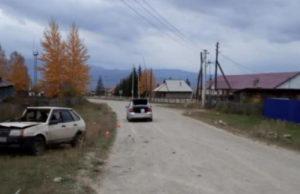 Утром в Чендеке водитель на ВАЗ врезался в опору ЛЭП с сбежал с места происшествия