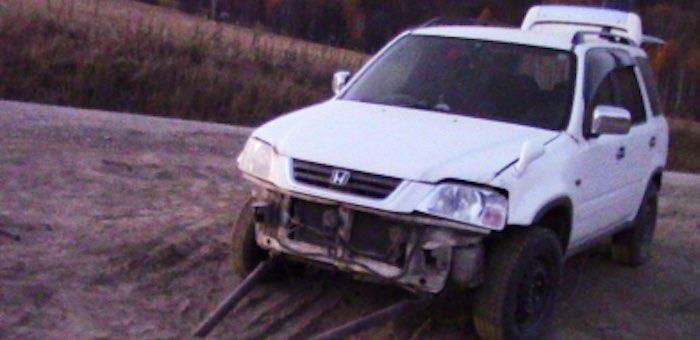 На спуске с Кукуинского перевала пассажир выпал из автомобиля и получил травмы