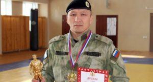 Эжер Енчинов стал чемпионом войск Росгвардии по боевому самбо