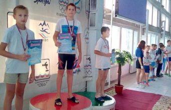 Юные пловцы из Горно-Алтайска завоевали в Барнауле семь медалей