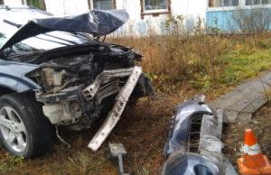 Два человека пострадали и один погиб на дорогах региона