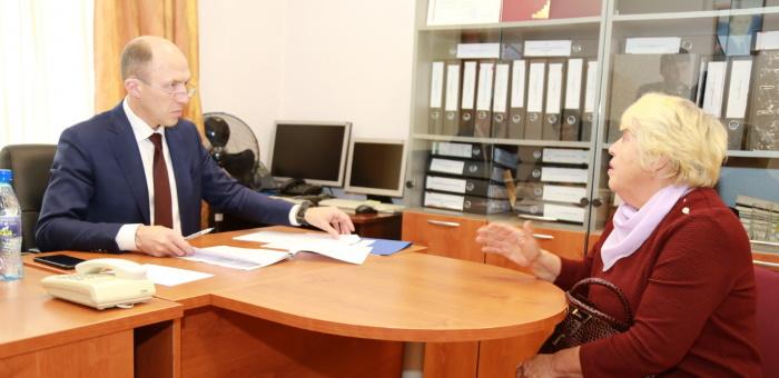 Олег Хорохордин провел личный прием граждан