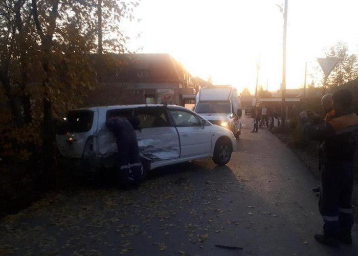 Житель Чойского района на Honda Odyssey врезался в УАЗ в Горно-Алтайске