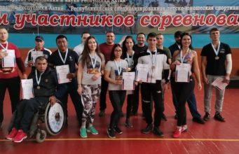 Максим Власов стал абсолютным чемпионом Республики Алтай по армрестлингу