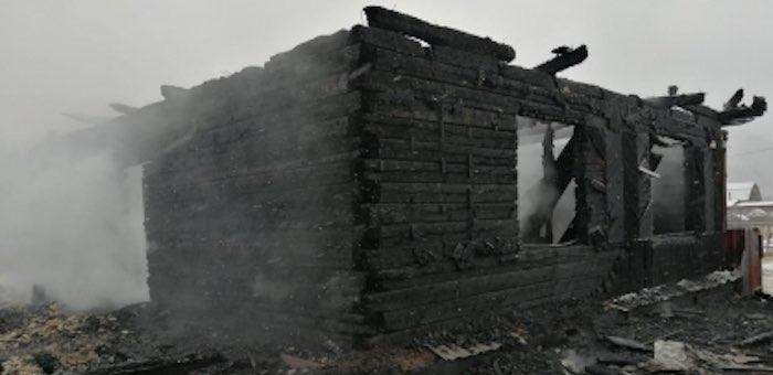 Мужчина и пожилая женщина погибли при пожаре в Сугаше
