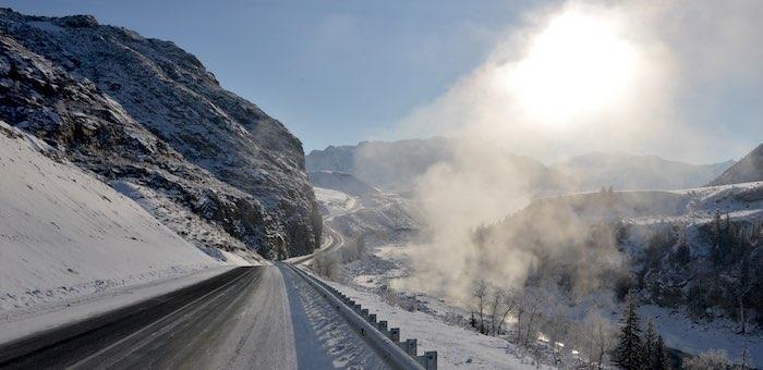 Морозная погода без осадков установилась на Алтае надолго