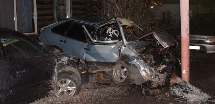 Компания молодых людей попала в аварию в Горно-Алтайске, водитель погиб