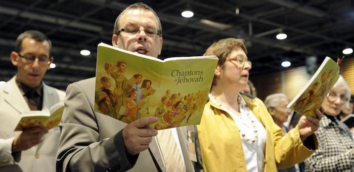 Суд отнял у шведских иеговистов недвижимость, подаренную горно-алтайскими братьями по вере