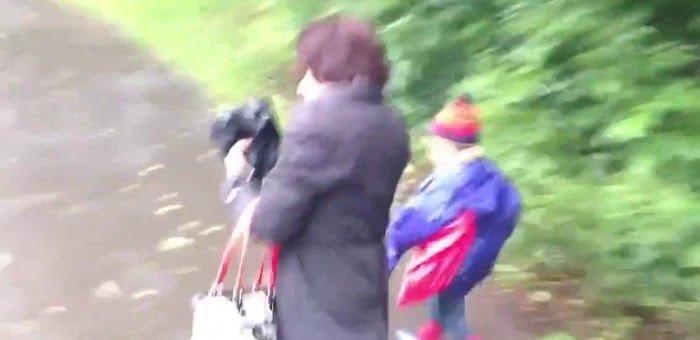 Нетрезвая женщина напала на ребенка и отобрала у него куртку