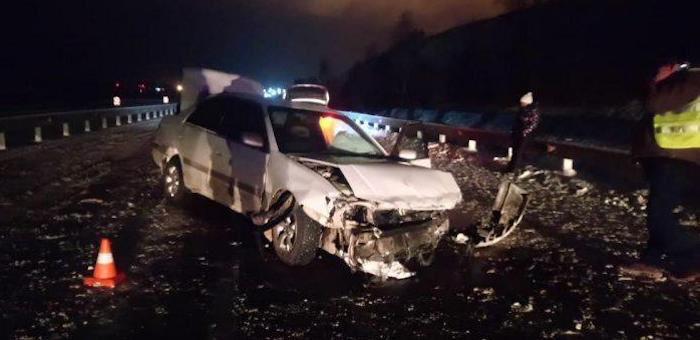 В аварии на Чуйском тракте погибла женщина