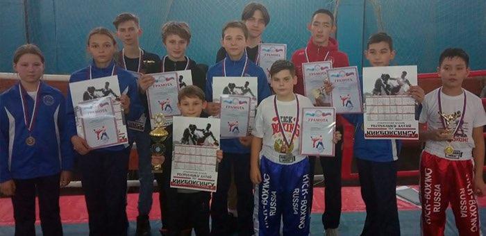 Команда Республики Алтай одержала победу на соревнованиях по кикбоксингу