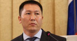 Леонид Ефимов уходит в отставку