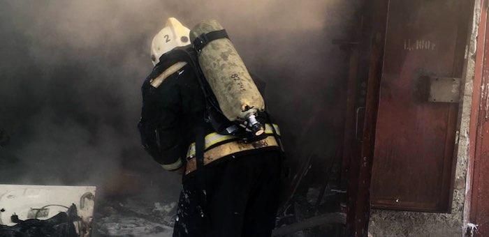 Пожарные предотвратили возгорание 35 углекислотных баллонов и 300 литров дизтоплива