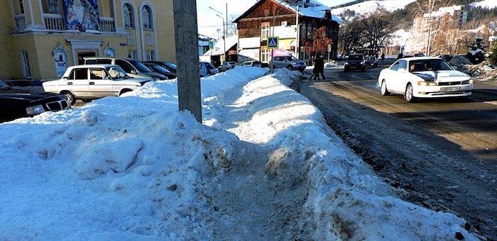 Подрядчика оштрафовали на 100 тыс. рублей за плохую очистку тротуаров от снега