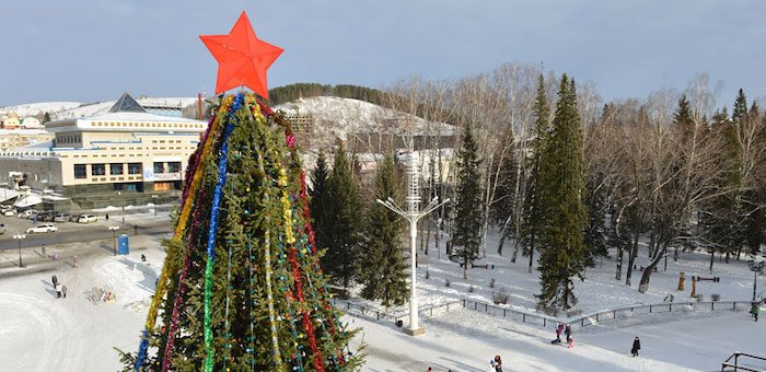 Руководители республики поздравили жителей Горного Алтая с Новым годом