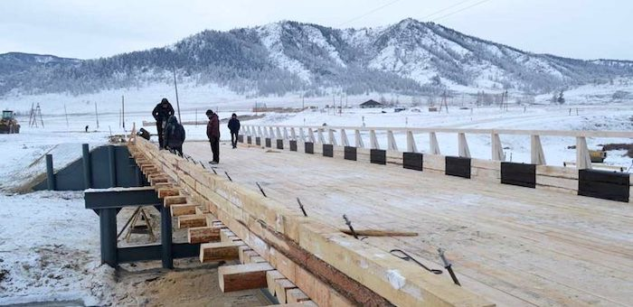 Завершилось строительство моста через реку Каярлык